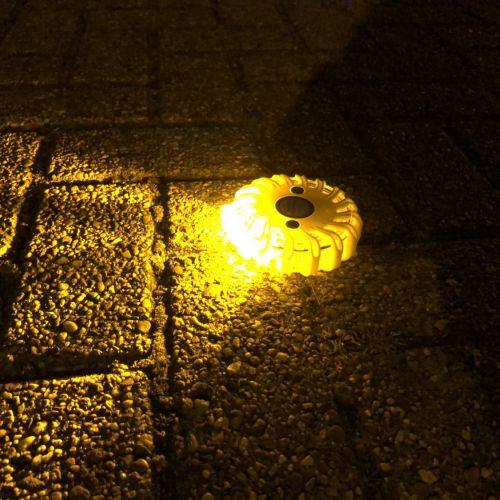 Heldere lamp om medeweggebruikers te waarschuwen